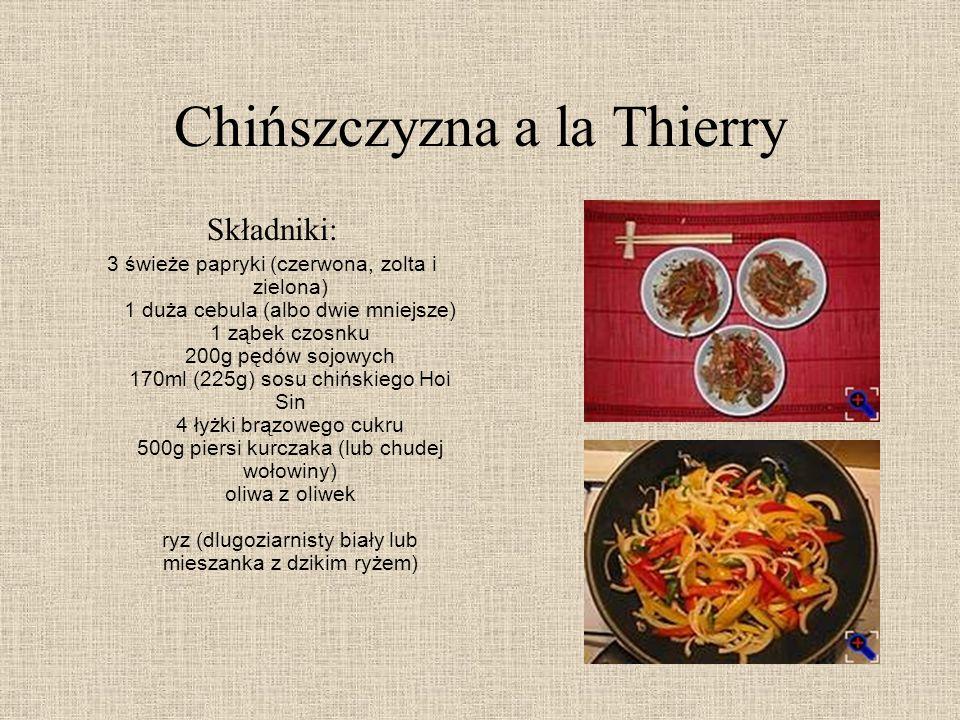 Chińszczyzna a la Thierry Składniki: 3 świeże papryki (czerwona, zolta i zielona) 1 duża cebula (albo dwie mniejsze) 1 ząbek czosnku 200g pędów sojowy