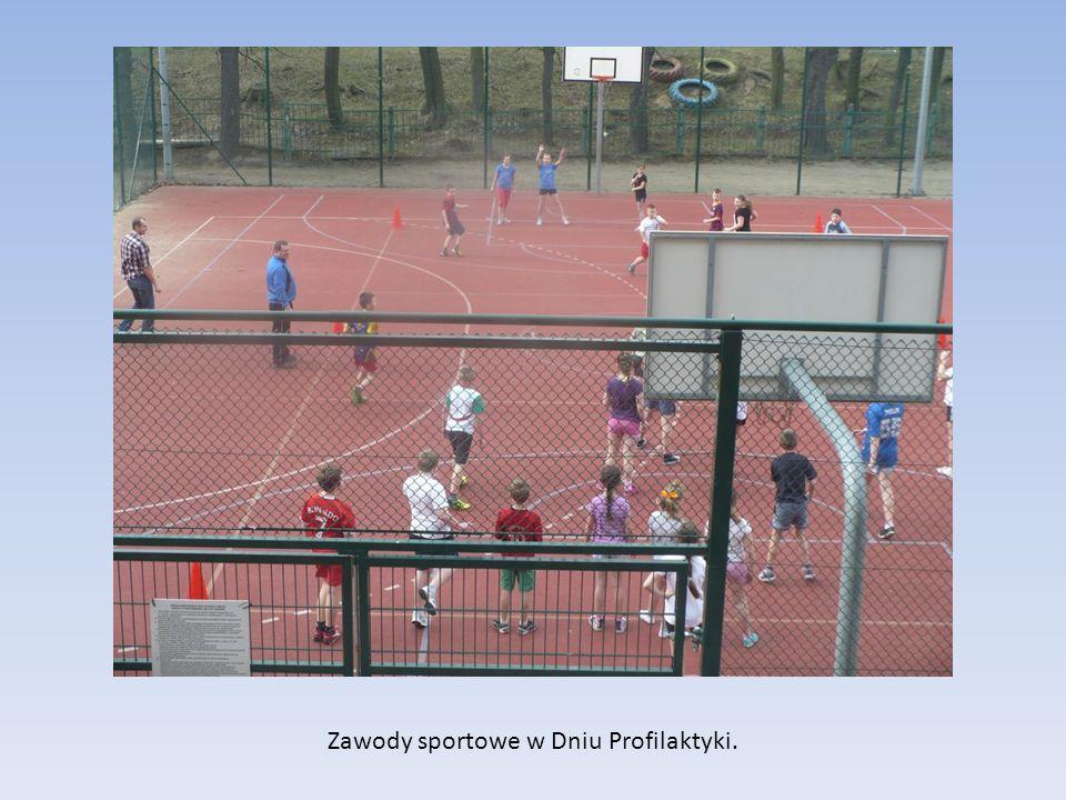 Zawody sportowe w Dniu Profilaktyki.