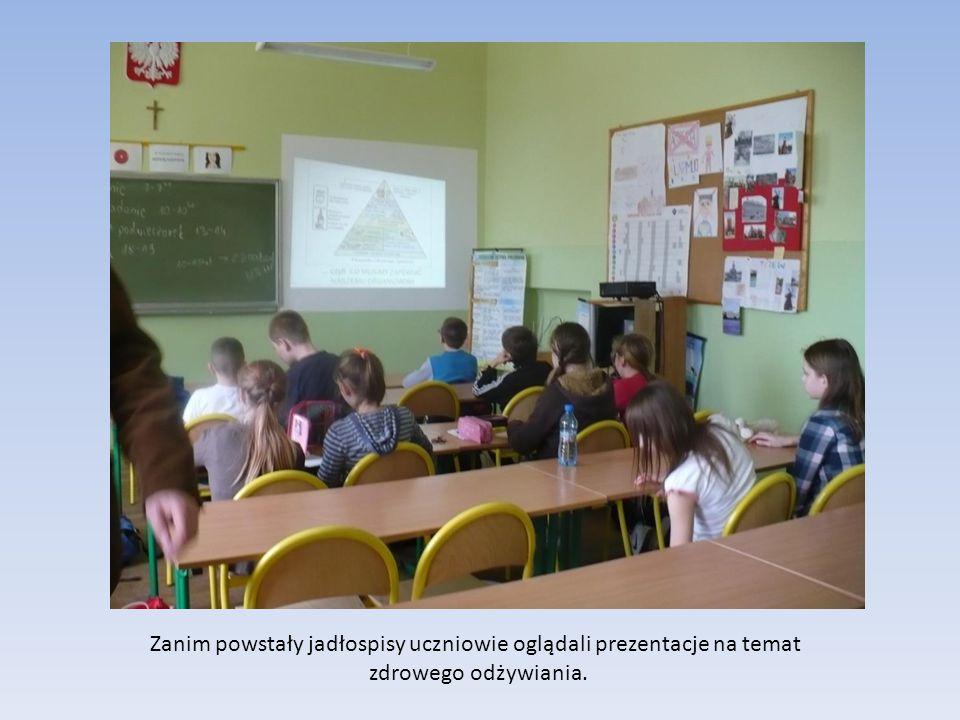 Zanim powstały jadłospisy uczniowie oglądali prezentacje na temat zdrowego odżywiania.