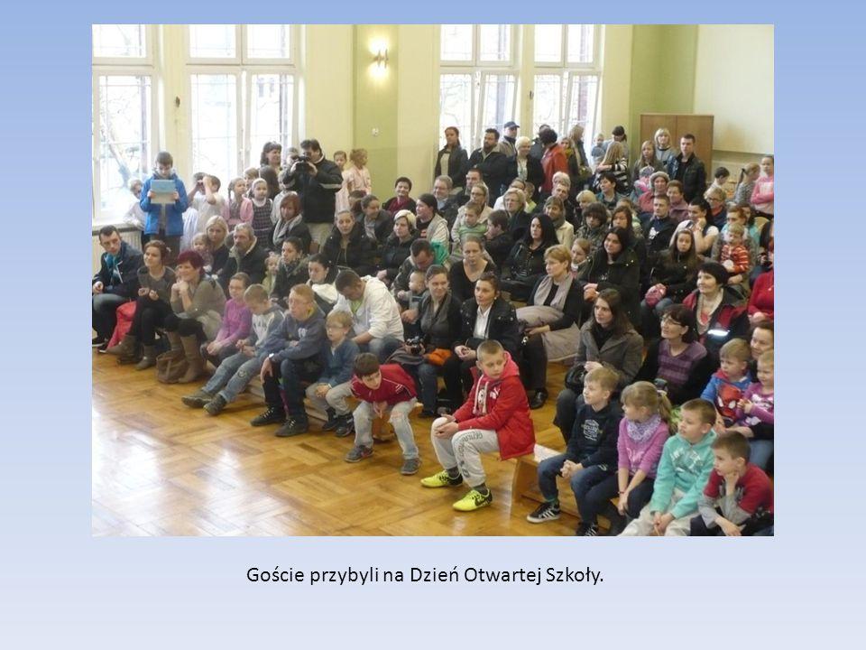 Goście przybyli na Dzień Otwartej Szkoły.