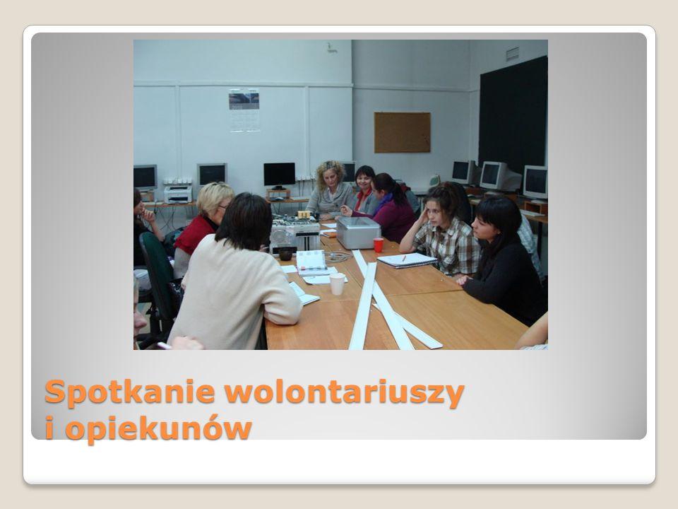 W latach 2009/10 i 2010/11 wolontariusze zorganizowali 2 zbiórki karmy i słomy dla zwierząt z włocławskiego Schroniska dla zwierząt.