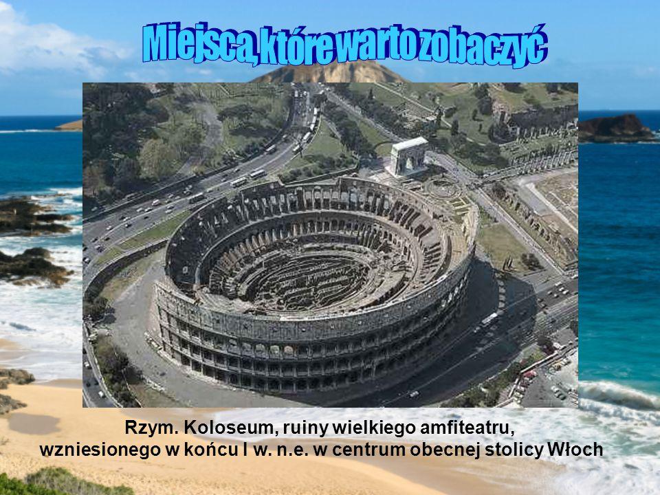 Rzym.Koloseum, ruiny wielkiego amfiteatru, wzniesionego w końcu I w.