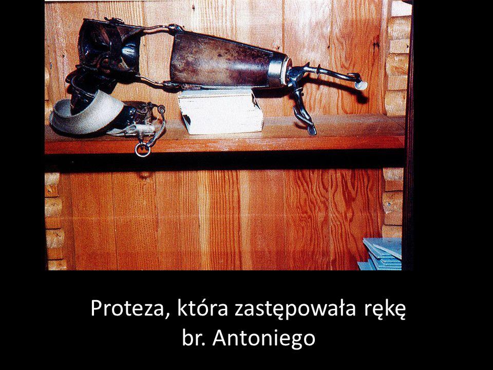 Proteza, która zastępowała rękę br. Antoniego
