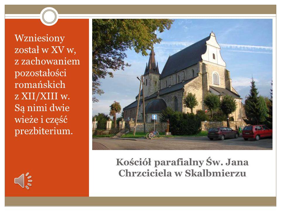 Gotycki kościół św. Mikołaja w Bejscach z XIV w., z kaplicą Firlejów Kościół pw. św. Mikołaja jest jednonawową budowlą ceglaną, opiętą z zewnątrz przy