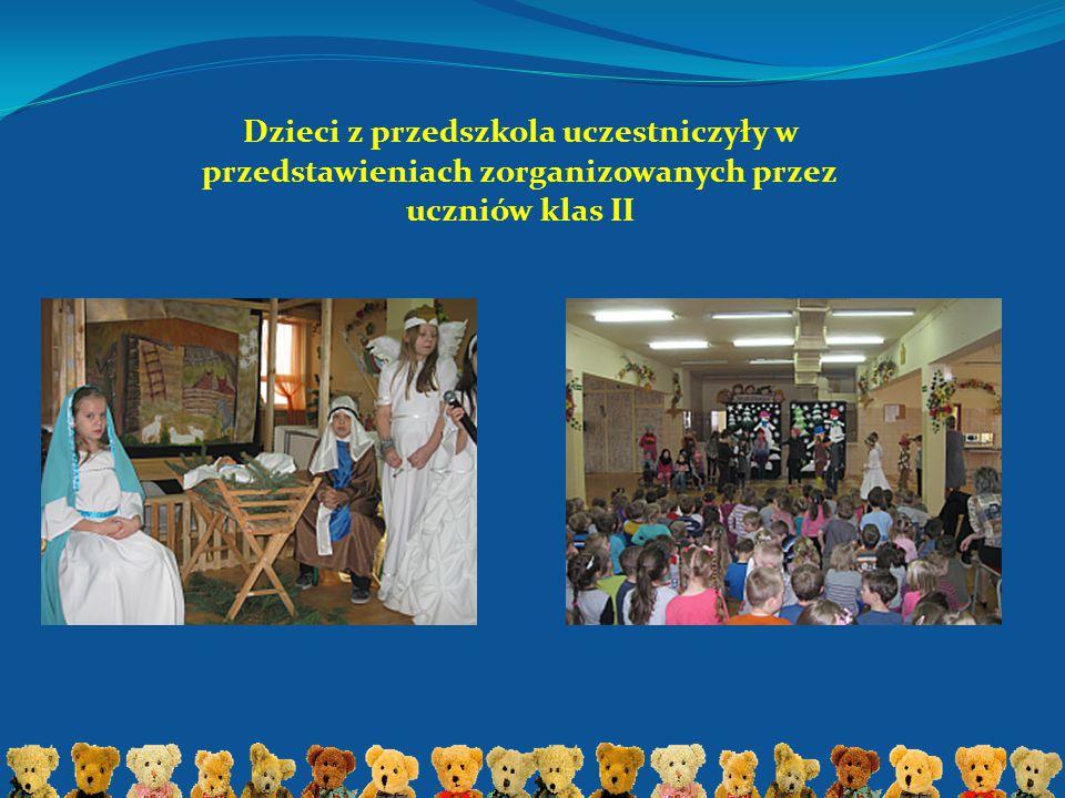 Dzieci z przedszkola uczestniczyły w przedstawieniach zorganizowanych przez uczniów klas II