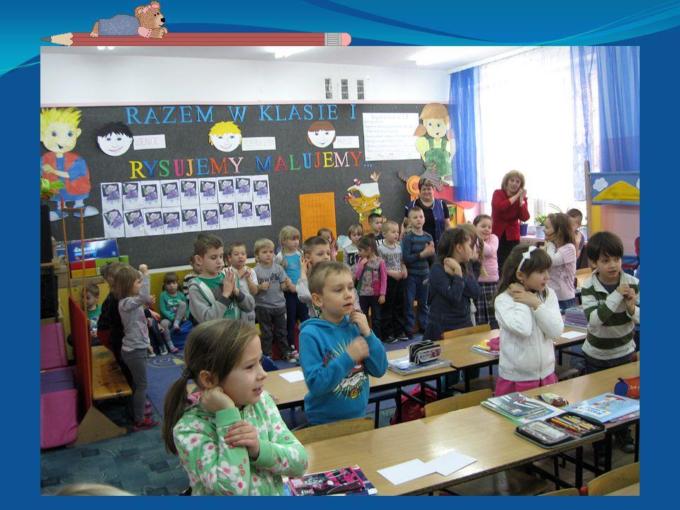 Niezwykłym wydarzeniem dla przedszkolaków był udział w zbiórce zuchowskiej na terenie szkoły podstawowej.
