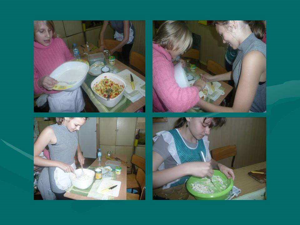 Przygotowanie potraw Wiedza, którą uczniowie zdobyli na lekcjach na temat zdrowego odżywiania zostaje wykorzystana w praktyce