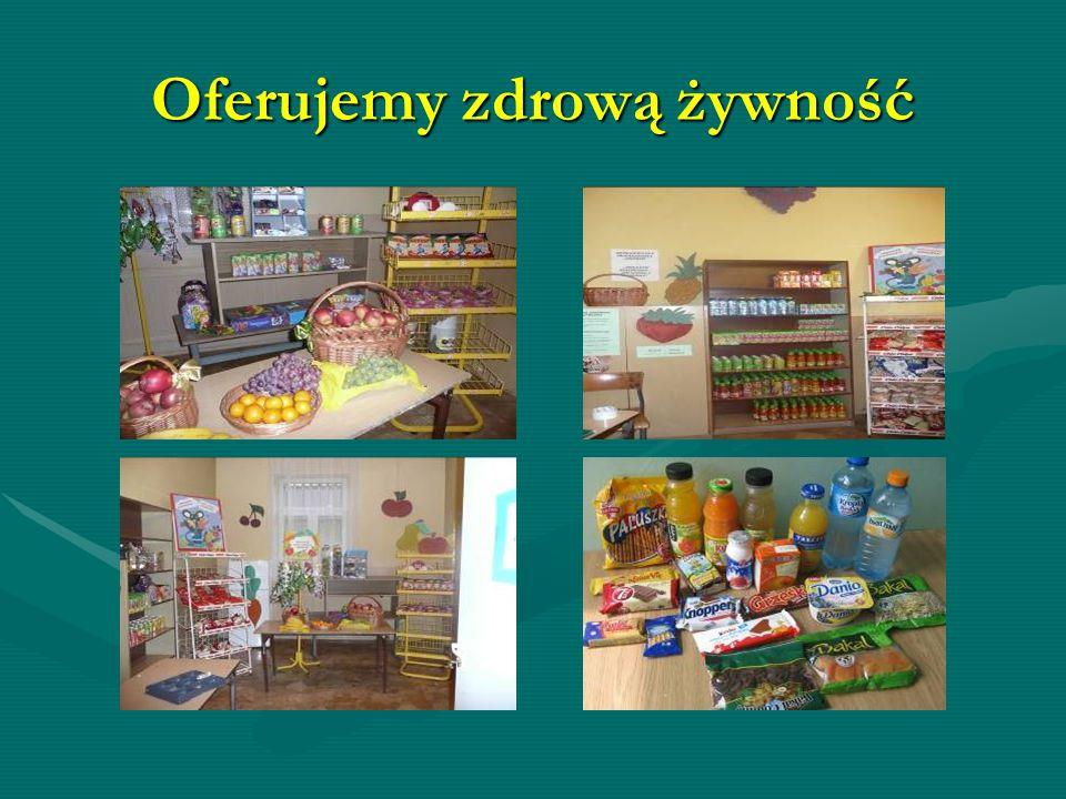 Załoga naszego sklepiku Agata Jurczak, Julia Gibas, Oliwia Chrząszcz, Katarzyna Lenik, Opiekun – pani Urszula Kachel.