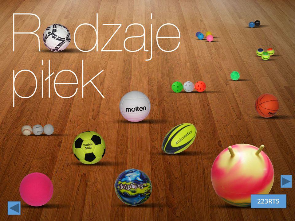 """Rodzaje piłek– białe litery na tle drewnianej podłogi. Litera """"o"""" to czarno-biała piłka do nogi 223RTS"""