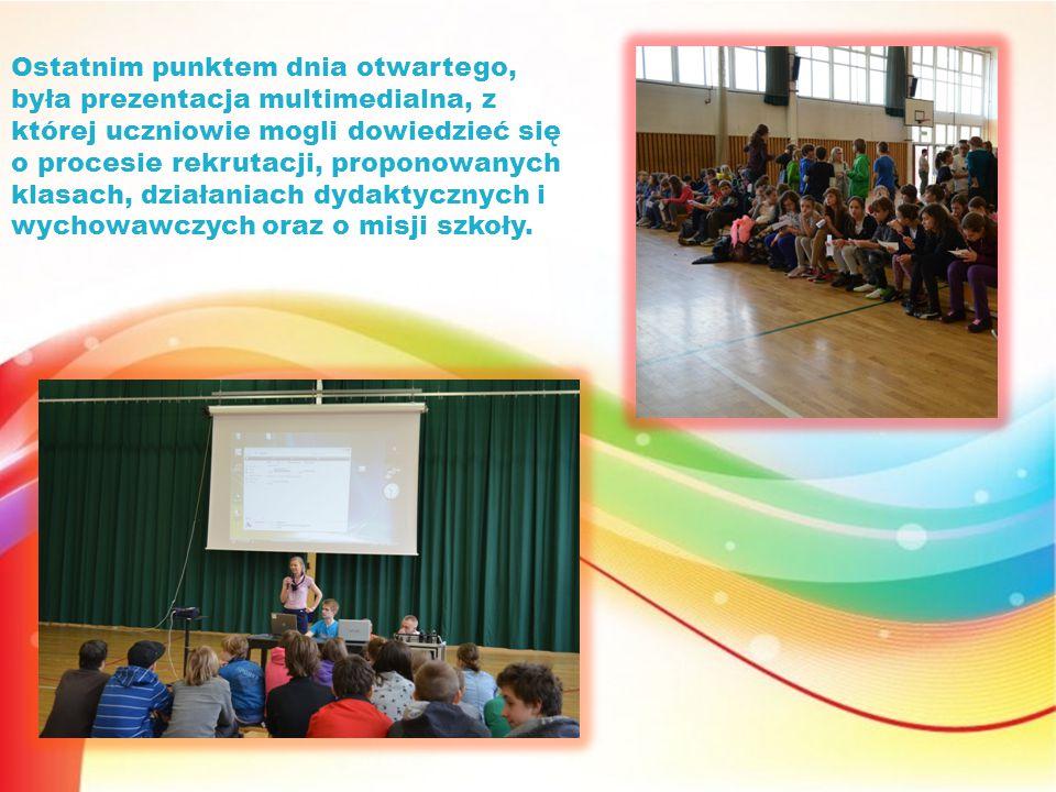 Ostatnim punktem dnia otwartego, była prezentacja multimedialna, z której uczniowie mogli dowiedzieć się o procesie rekrutacji, proponowanych klasach, działaniach dydaktycznych i wychowawczych oraz o misji szkoły.