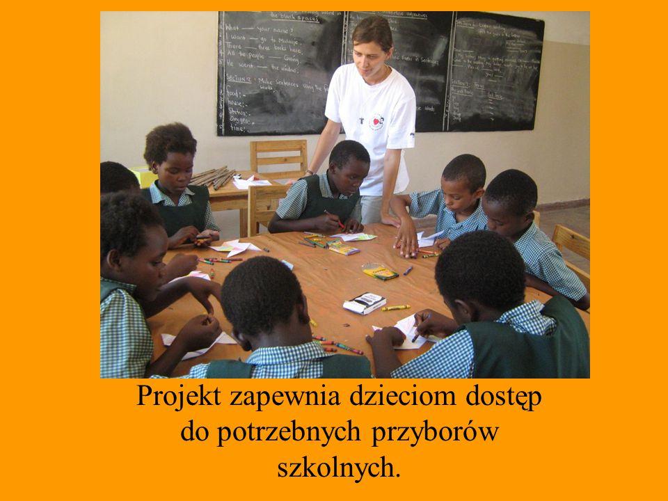 Podstawowe wykształcenie, dzięki któremu będą mogły otrzymać pracę, jest dla nich marzeniem, które może się spełnić dzięki TWOJEJ pomocy.