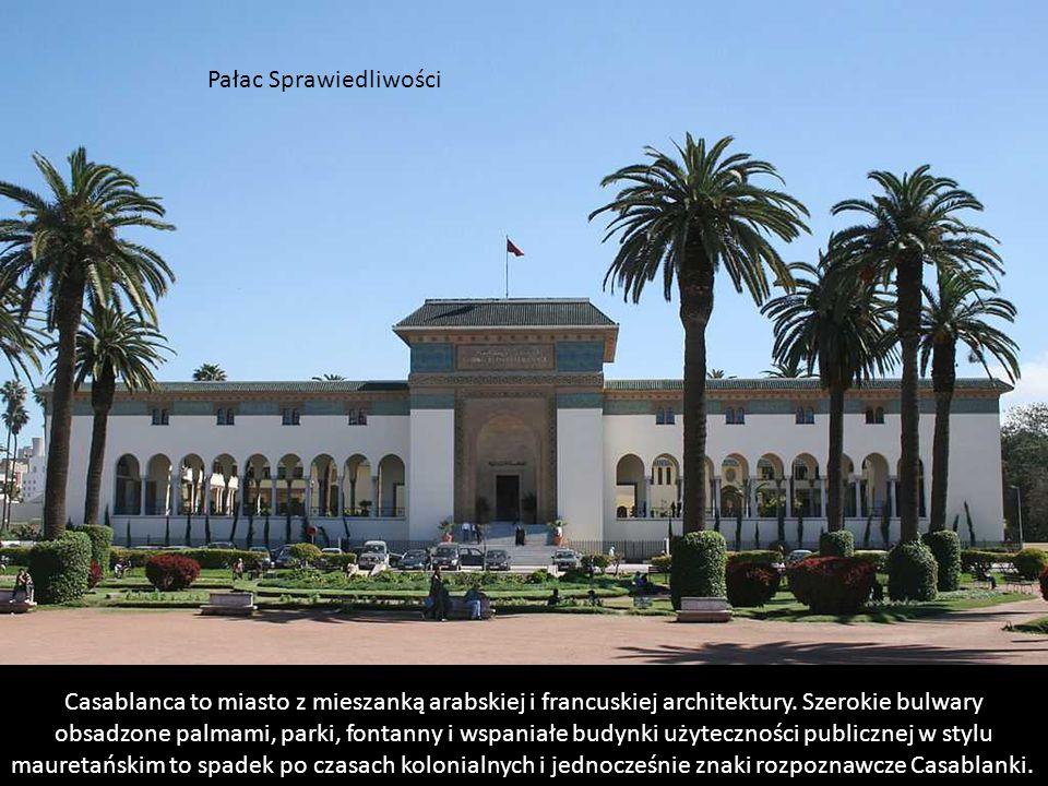 Sercem francuskiej części miasta jest plac Place des Nations Unies (dawniej Place Mohammed V), do którego prowadzą wszystkie główne drogi i przy który