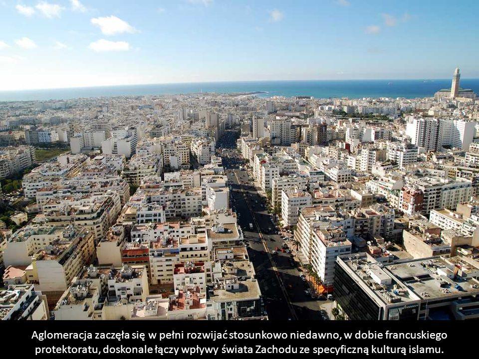 Casablanca to największe miasto Maroka - według szacunków ma nawet 6 mln mieszkańców. Jest ona głównym ośrodkiem przemysłowym i kulturalnym Maroka, a