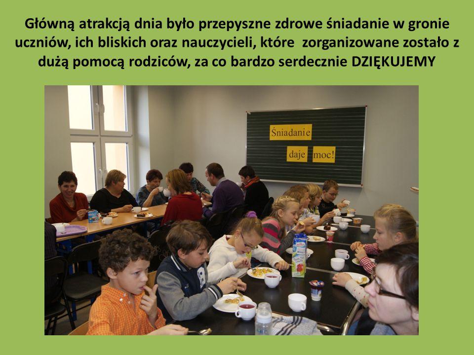 Główną atrakcją dnia było przepyszne zdrowe śniadanie w gronie uczniów, ich bliskich oraz nauczycieli, które zorganizowane zostało z dużą pomocą rodziców, za co bardzo serdecznie DZIĘKUJEMY