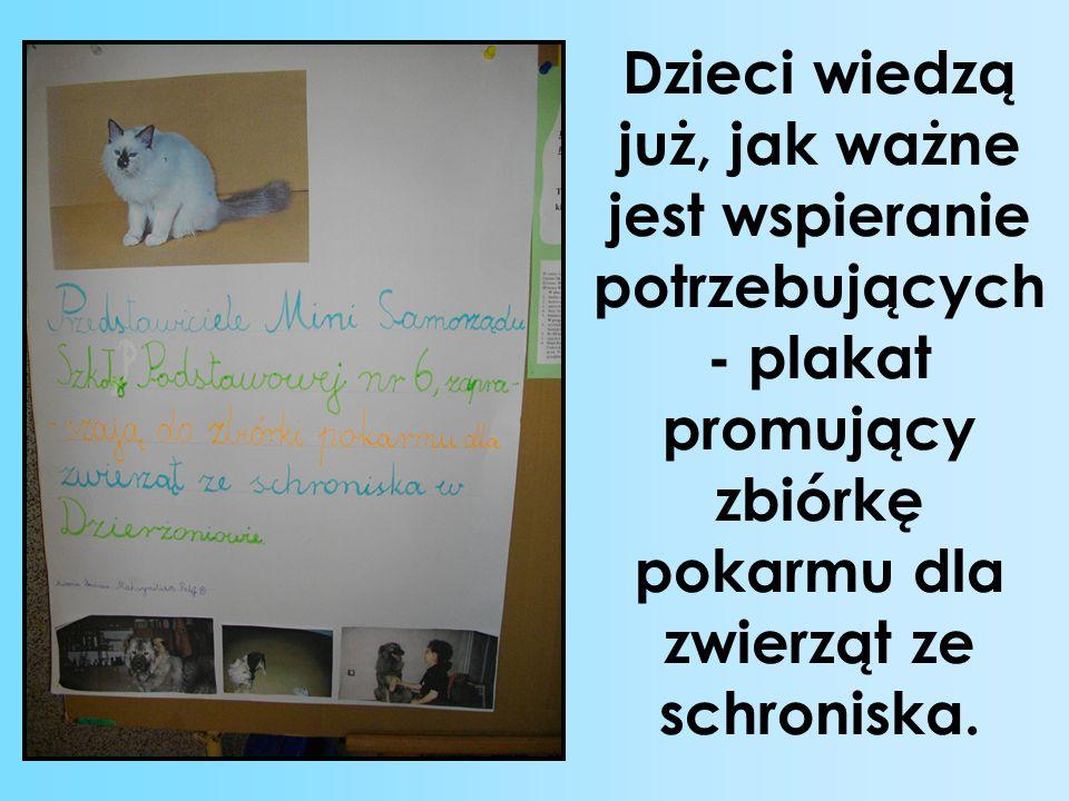 Dzieci wiedzą już, jak ważne jest wspieranie potrzebujących - plakat promujący zbiórkę pokarmu dla zwierząt ze schroniska.