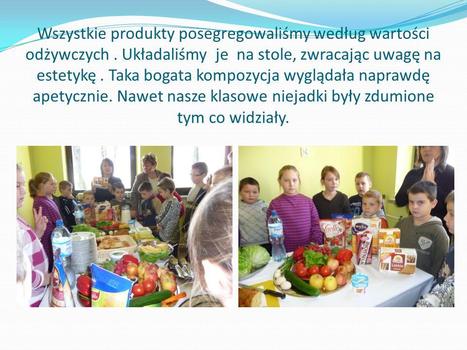 Wszystkie produkty posegregowaliśmy według wartości odżywczych. Układaliśmy je na stole, zwracając uwagę na estetykę. Taka bogata kompozycja wyglądała