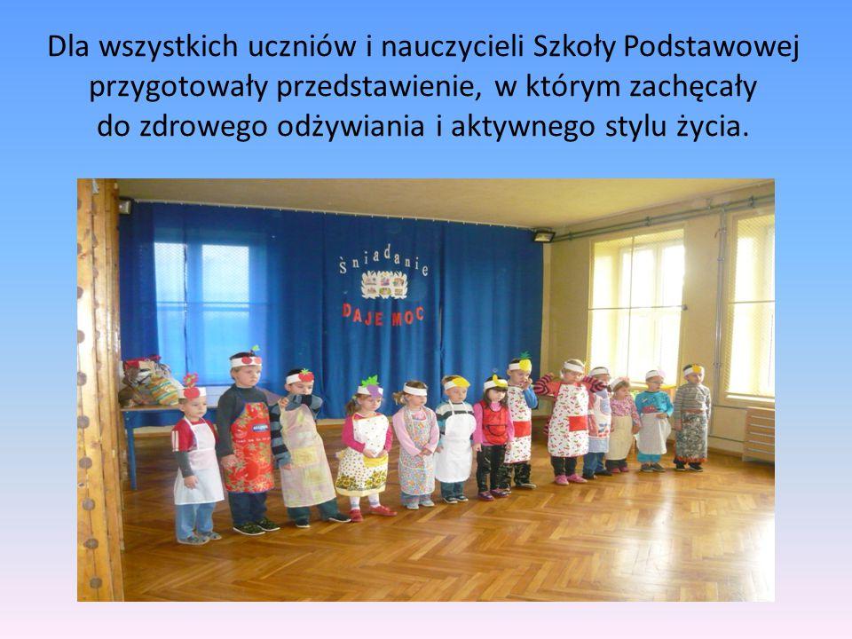 Dla wszystkich uczniów i nauczycieli Szkoły Podstawowej przygotowały przedstawienie, w którym zachęcały do zdrowego odżywiania i aktywnego stylu życia