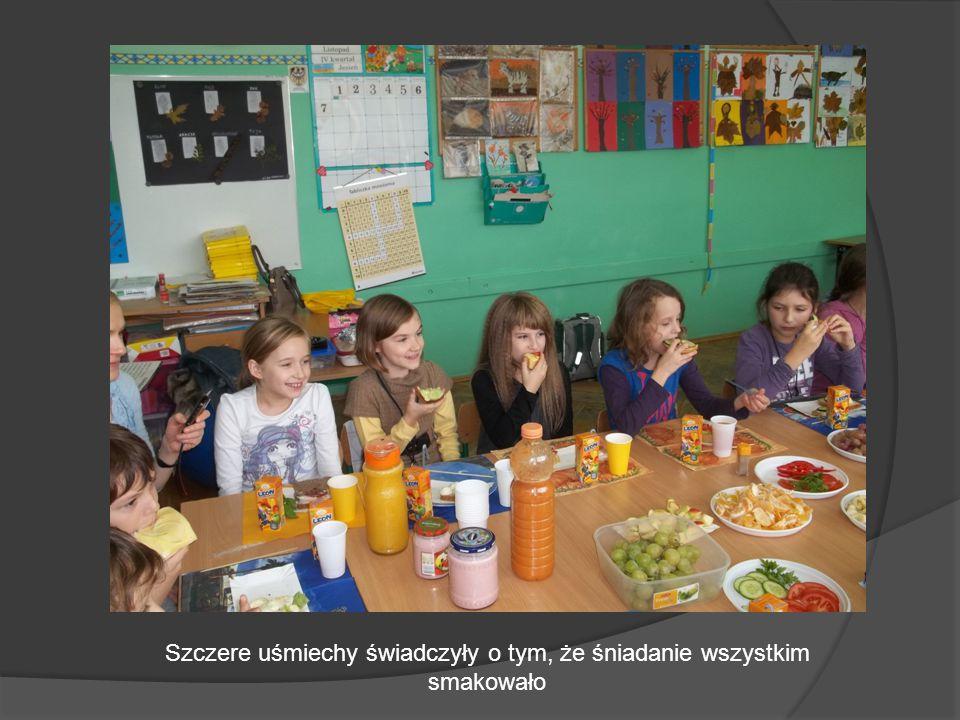 Szczere uśmiechy świadczyły o tym, że śniadanie wszystkim smakowało