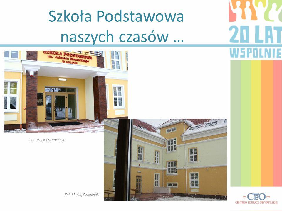 Szkoła Podstawowa naszych czasów … Fot. Maciej Szumiński