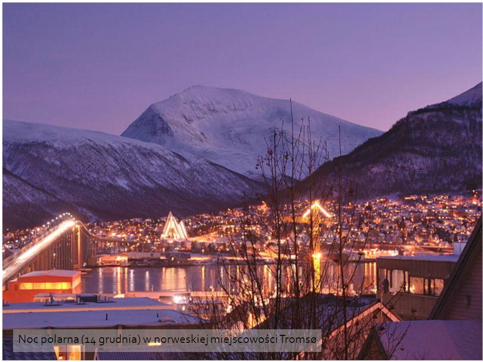 Noc polarna (14 grudnia) w norweskiej miejscowości Tromsø