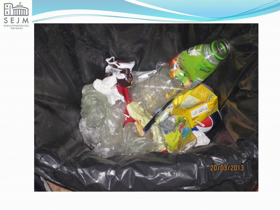 Wiemy już, jak długo rozkładają się śmieci.Wiemy też, jak duże to obciążenie dla naszej Ziemi.