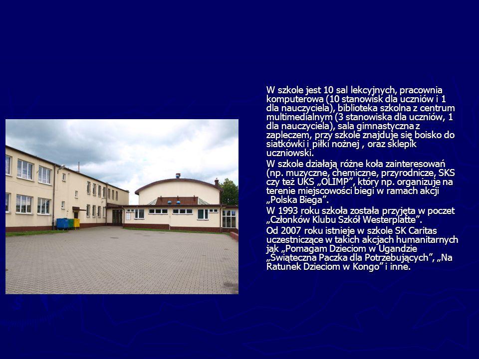 W szkole jest 10 sal lekcyjnych, pracownia komputerowa (10 stanowisk dla uczniów i 1 dla nauczyciela), biblioteka szkolna z centrum multimedialnym (3