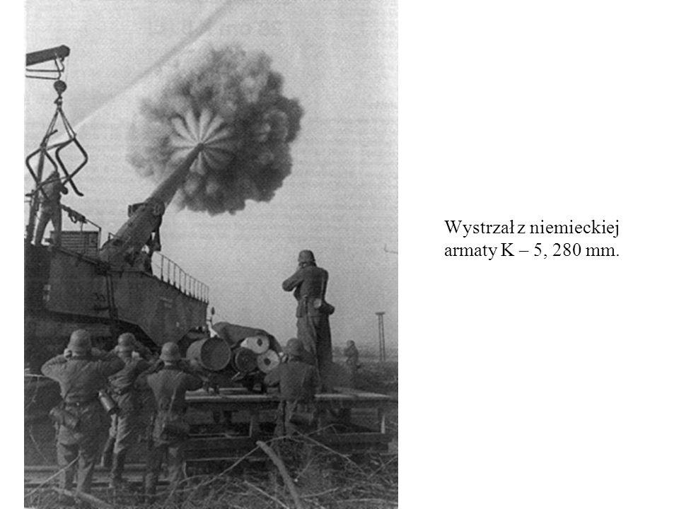 Wystrzał z niemieckiej armaty K – 5, 280 mm.