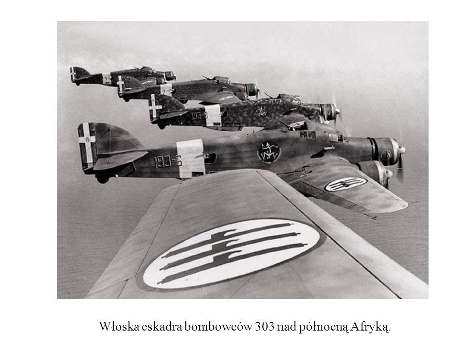 Włoska eskadra bombowców 303 nad północną Afryką.