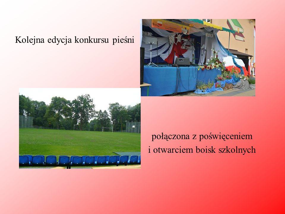 Kolejna edycja konkursu pieśni połączona z poświęceniem i otwarciem boisk szkolnych