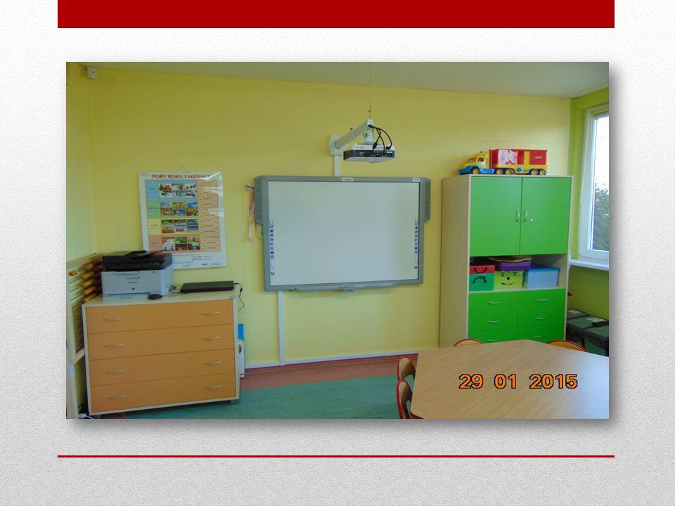  Oddział przedszkolny wyposażony jest w liczne pomoce dydaktyczne i zabawki, zapewnia dzieciom fachową opiekę pedagogiczną oraz bardzo dobre warunki