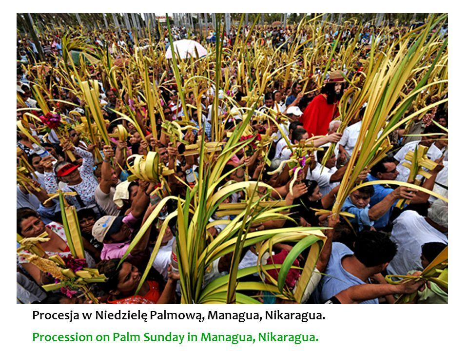 Procesja w Niedzielę Palmową, Managua, Nikaragua. Procession on Palm Sunday in Managua, Nikaragua.