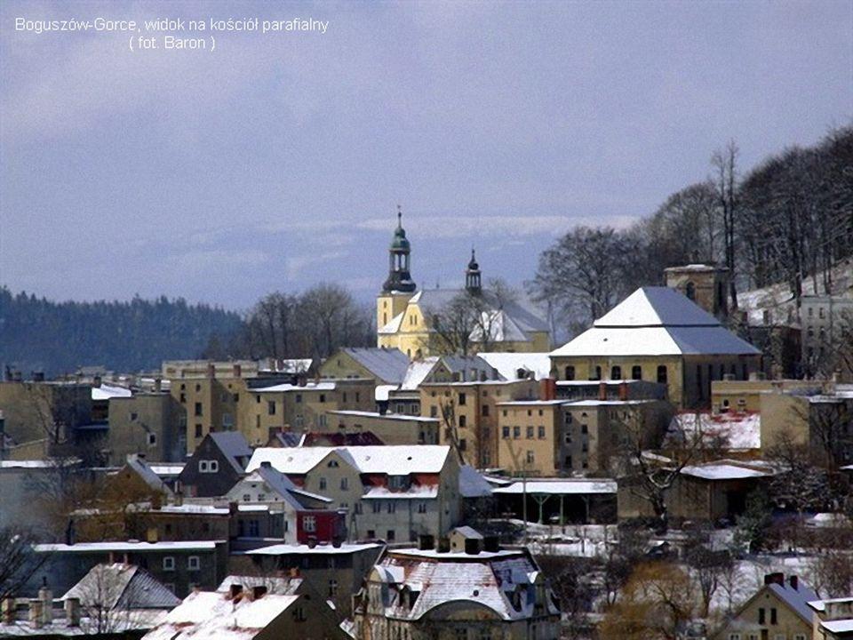  dom kantora,  kościół ewangelicki (ul.K. Marksa 2)  dom Diakonistek, (ul.