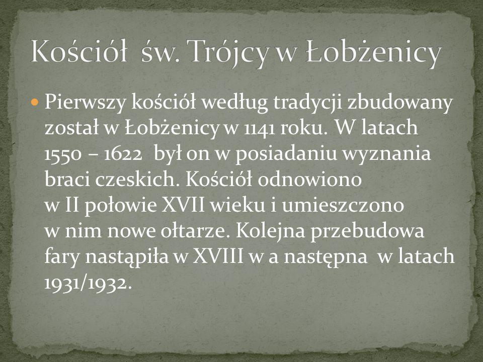 Pierwszy kościół według tradycji zbudowany został w Łobżenicy w 1141 roku. W latach 1550 – 1622 był on w posiadaniu wyznania braci czeskich. Kościół o