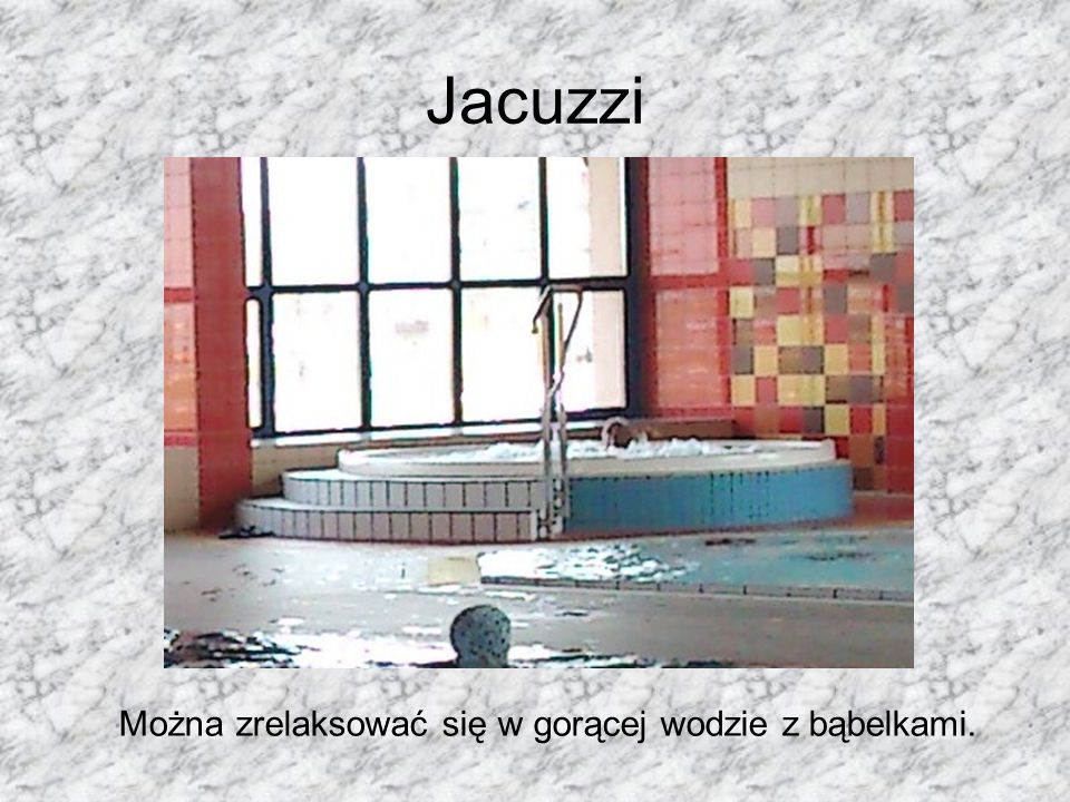 Jacuzzi Można zrelaksować się w gorącej wodzie z bąbelkami.
