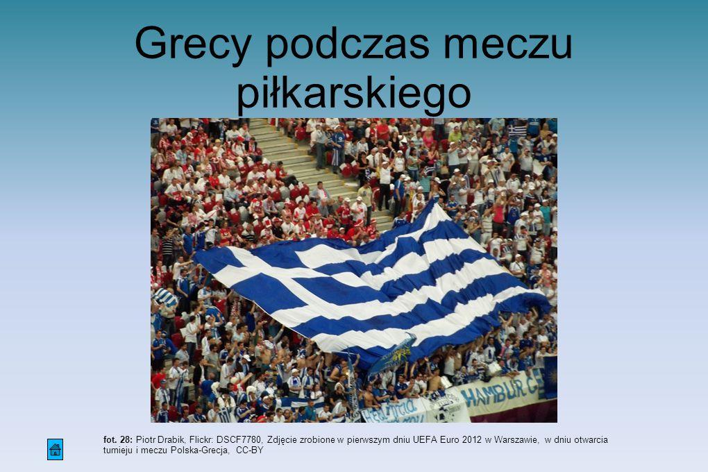 fot. 28: Piotr Drabik, Flickr: DSCF7780, Zdjęcie zrobione w pierwszym dniu UEFA Euro 2012 w Warszawie, w dniu otwarcia turnieju i meczu Polska-Grecja,