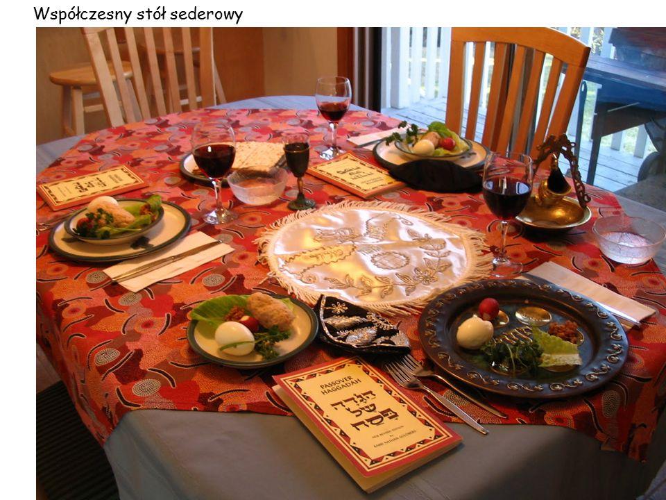 Współczesny stół sederowy