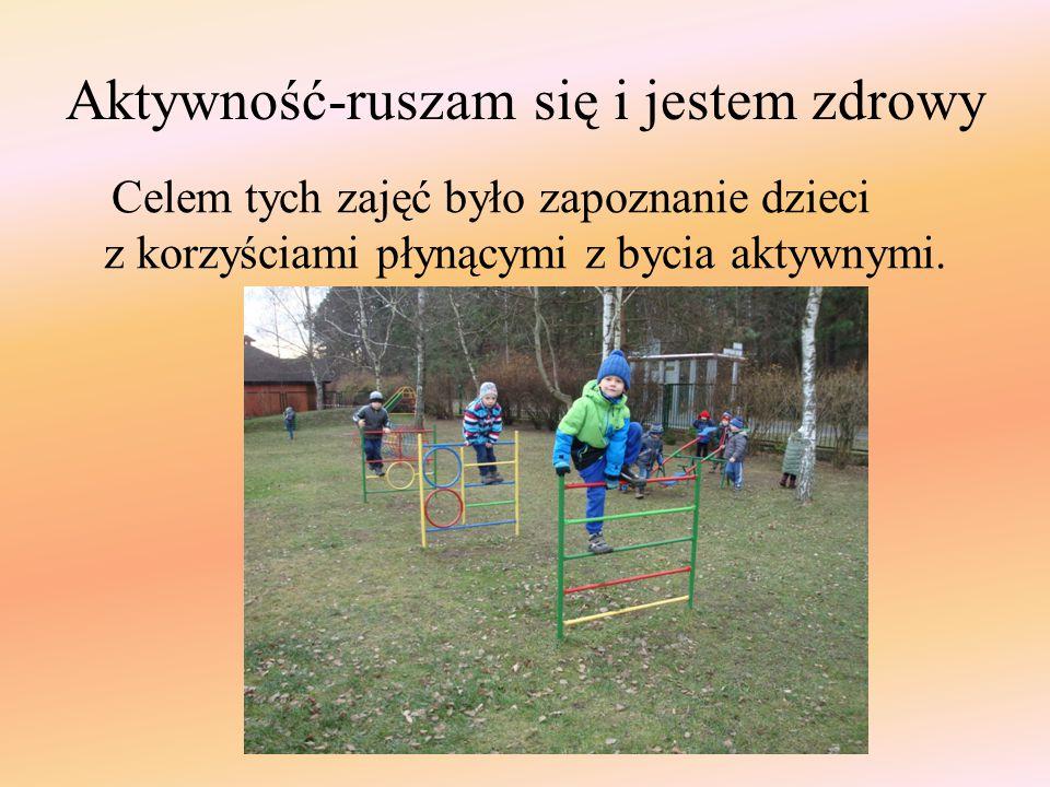 """Podczas zabaw na świeżym powietrzu dzieci bawiły się w zabawy typu: """"Gąski, gąski do domu , """"Berek ."""