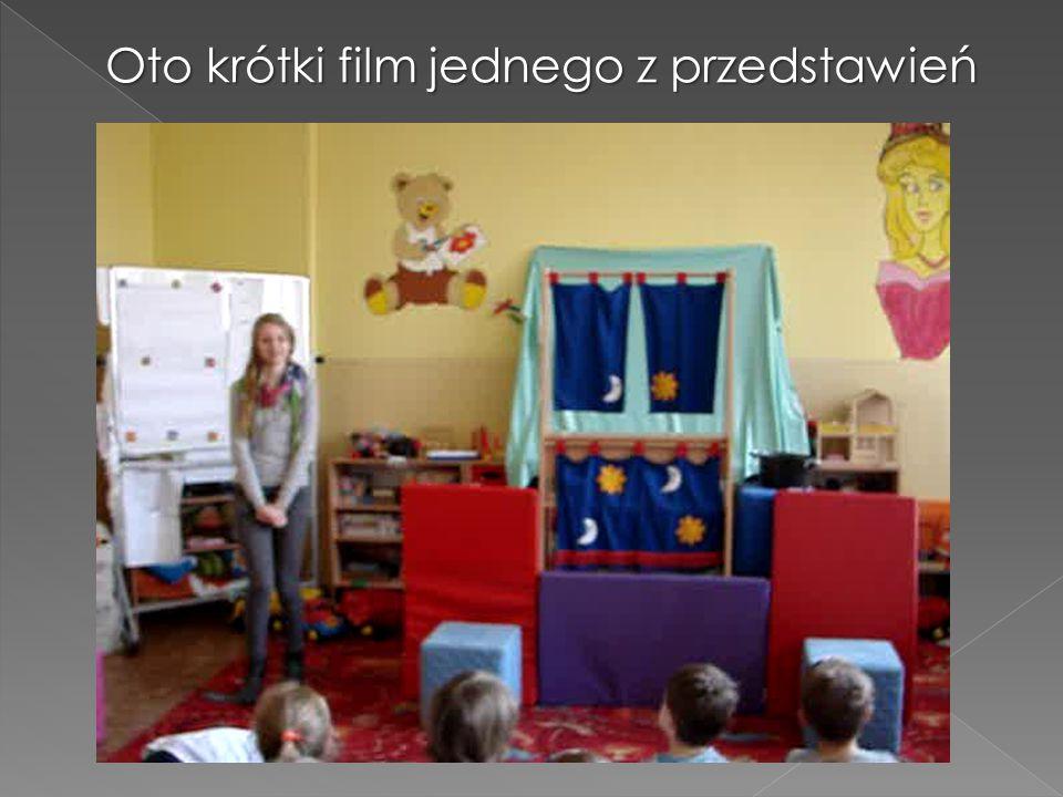 Dzieci uczęszczają na warsztaty, np.: plastyczne organizowane przez naszych wolontariuszy pod kierunkiem nauczycieli plastyki.