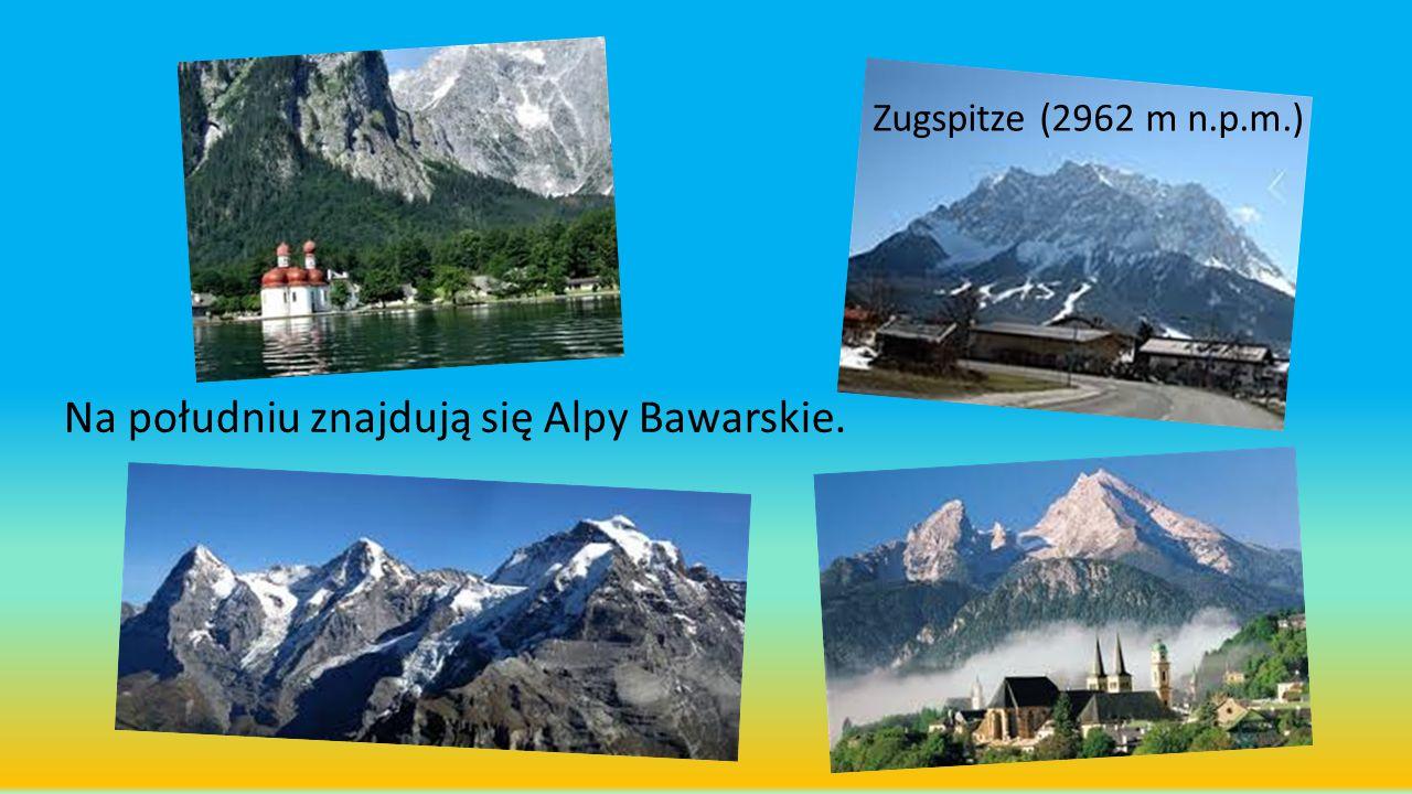 Na południu znajdują się Alpy Bawarskie. Zugspitze (2962 m n.p.m.)