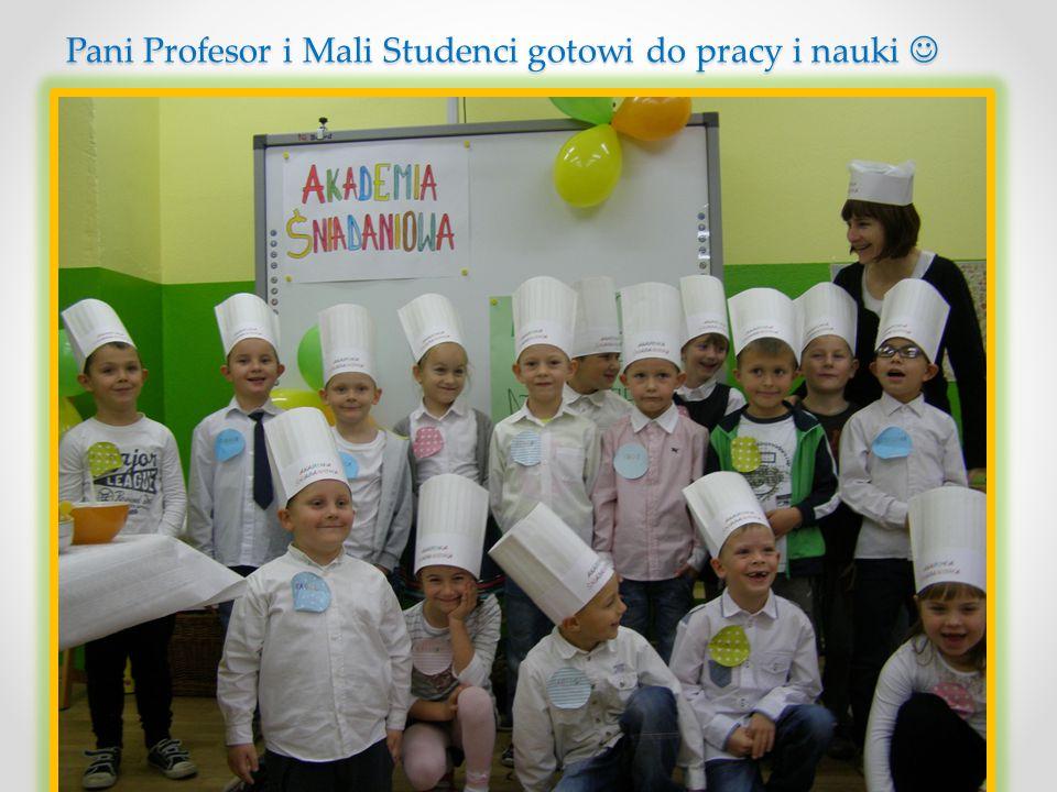 Pani Profesor i Mali Studenci gotowi do pracy i nauki Pani Profesor i Mali Studenci gotowi do pracy i nauki