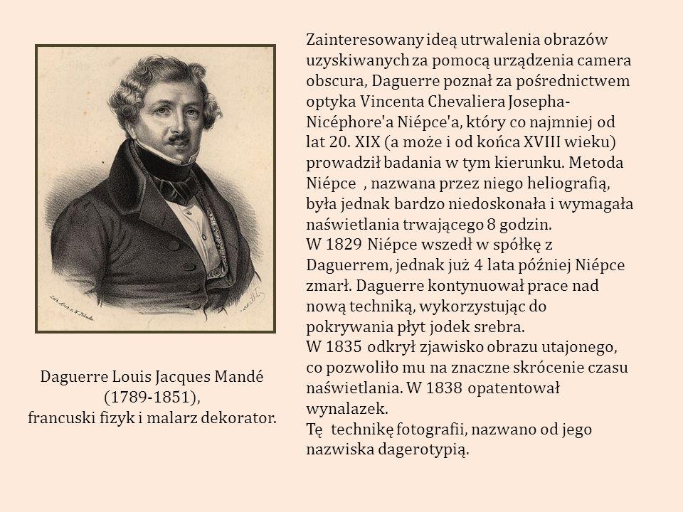 Nicéphore Niépce – Widok z okna w Le Gras (1827) PIERWSZA UDANA TRWAŁA FOTOGRAFIA. Czas naświetlania 8 godzin 20 minut !!!