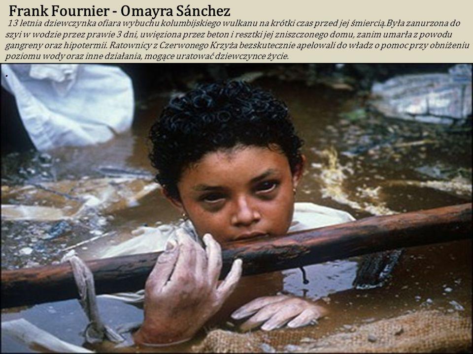 Steve McCurry Afghan Girl (1984) Zdjęcie wykonano w obozie uchodźców Nasir Bagh w 1984. Zdjęcie stało się symbolem konfliktu afgańskiego i sytuacji uc