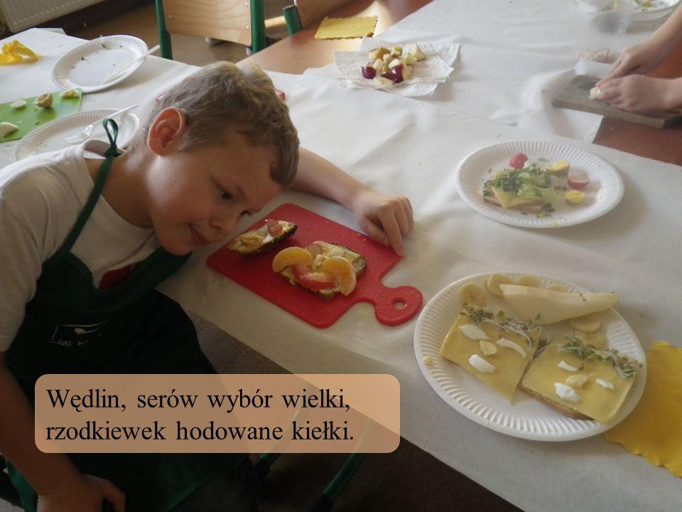 Wędlin, serów wybór wielki, rzodkiewek hodowane kiełki.