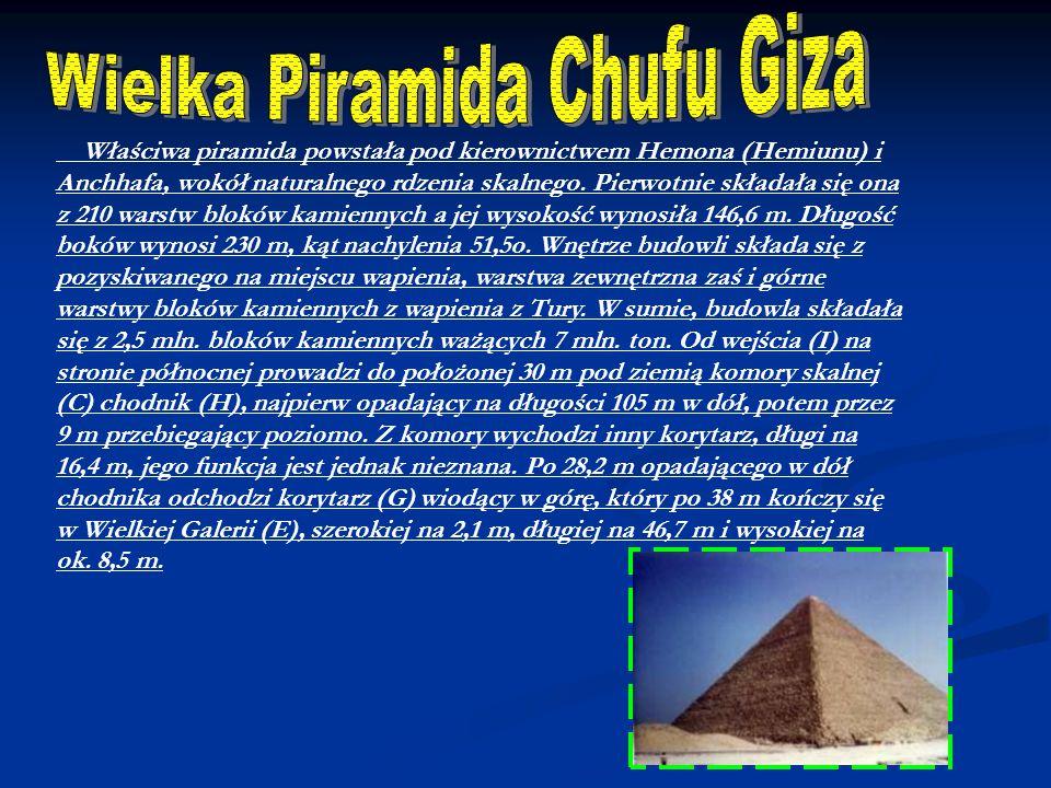 Właściwa piramida powstała pod kierownictwem Hemona (Hemiunu) i Anchhafa, wokół naturalnego rdzenia skalnego. Pierwotnie składała się ona z 210 warstw