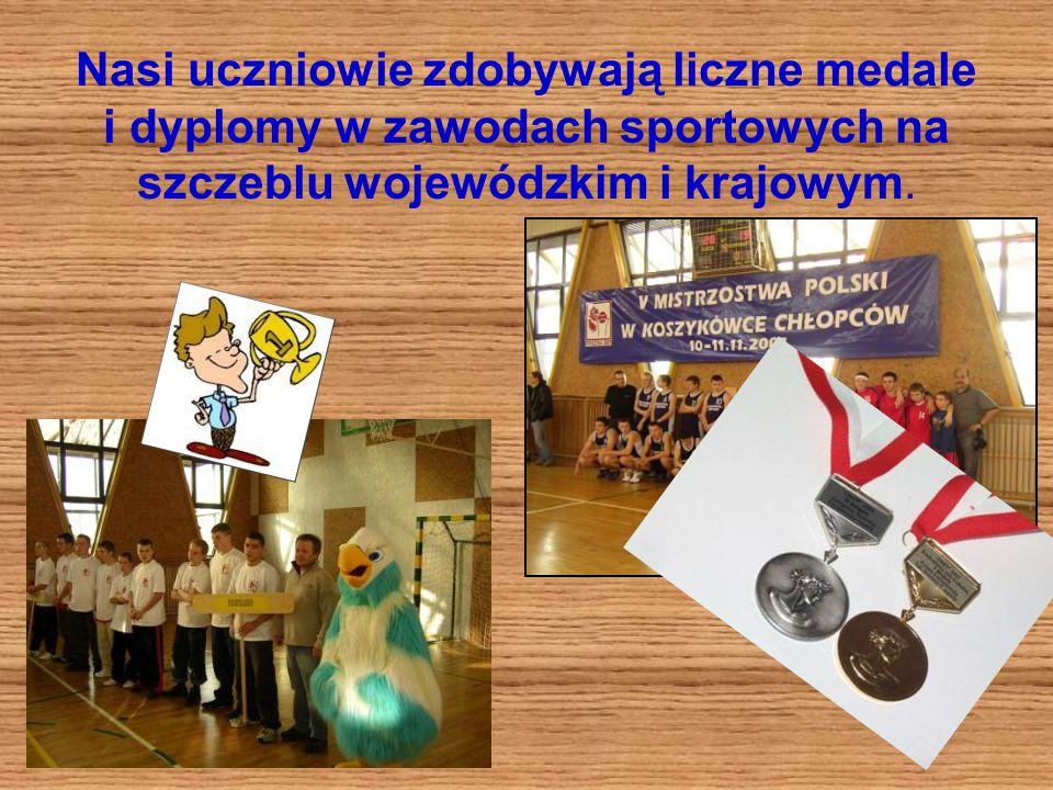 Nasi uczniowie zdobywają liczne medale i dyplomy w zawodach sportowych na szczeblu wojewódzkim i krajowym.