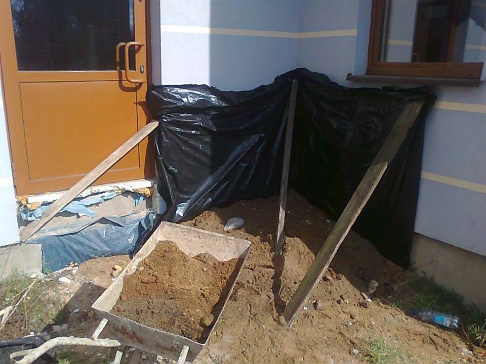 Dzień 8 Przygotowanie terenu pod układanie kostki brukowej Wykonywanie plantu pod kostkę brukową Obsługa betoniarki