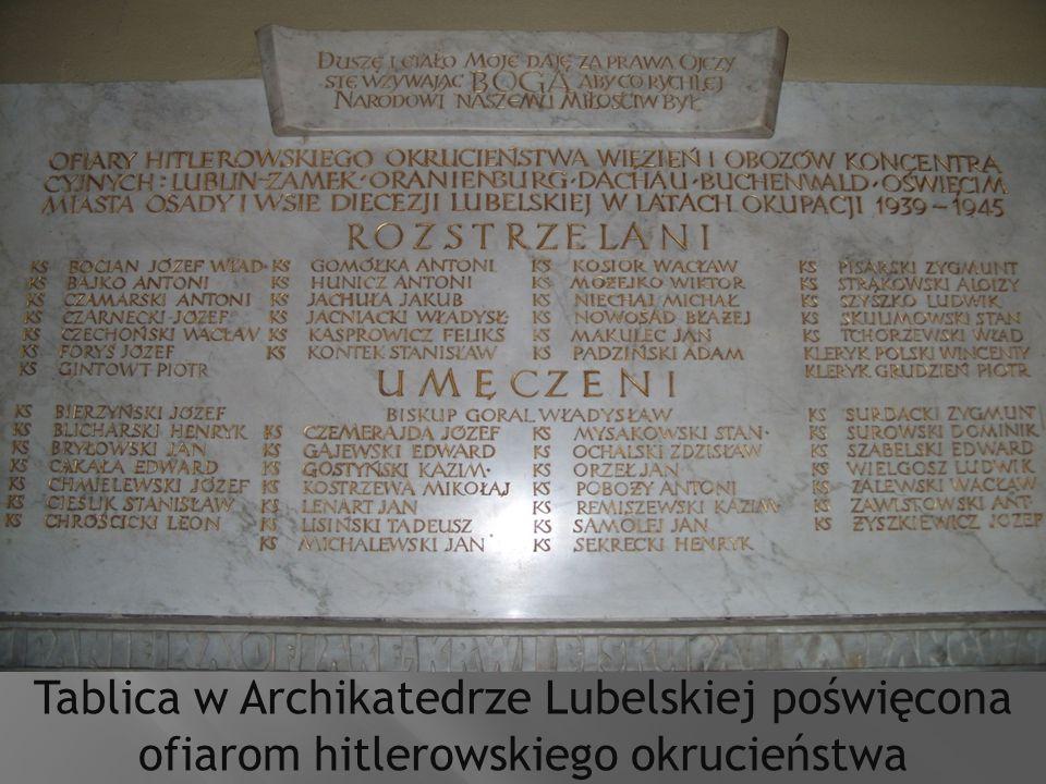 Tablica w Archikatedrze Lubelskiej poświęcona ofiarom hitlerowskiego okrucieństwa