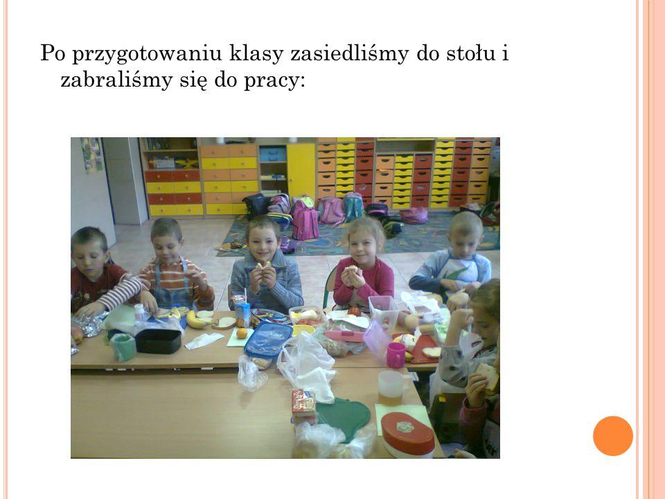 Dzieci przygotowały wszystkie składniki niezbędne do zrobienia kanapek.