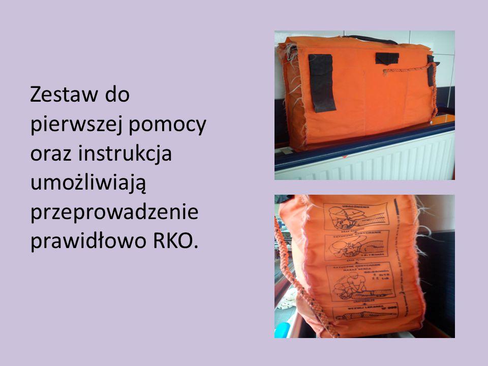 Zestaw do pierwszej pomocy oraz instrukcja umożliwiają przeprowadzenie prawidłowo RKO.