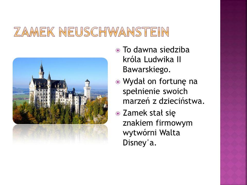  To dawna siedziba króla Ludwika II Bawarskiego.  Wydał on fortunę na spełnienie swoich marzeń z dzieciństwa.  Zamek stał się znakiem firmowym wytw